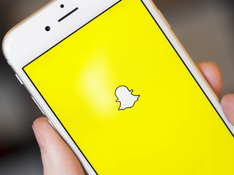 Snapchat has Facebook Messenger in its sight