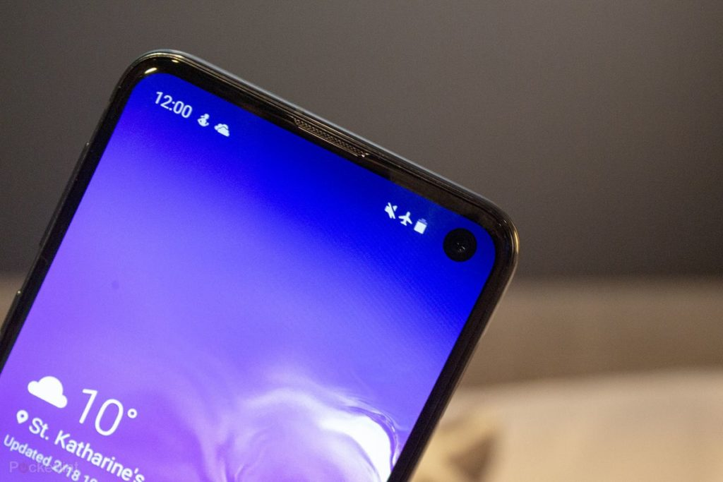 Samsung S10e: an entry-level phone like no other